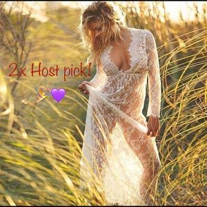 Other - 🎉2xHP 🎉 Crochet lace bathing suit coverup 👙
